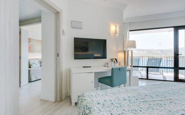 Alua Hawaii Mallorca & Suites suite sea view