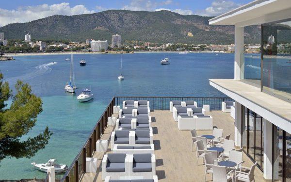 Alua Hawaii Mallorca & Suites terraza