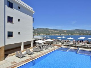 Alua Palmanova Bay pool sea view