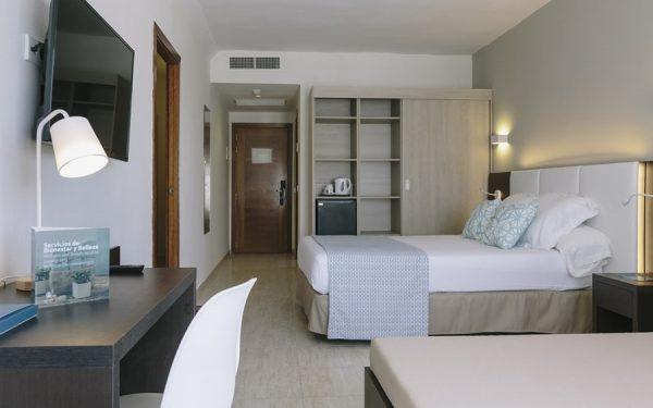 Aluasun Torrenova Palmanova Magaluf room