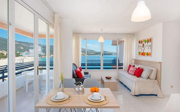 Apartamentos Cala Blanca Palmanova Sea view