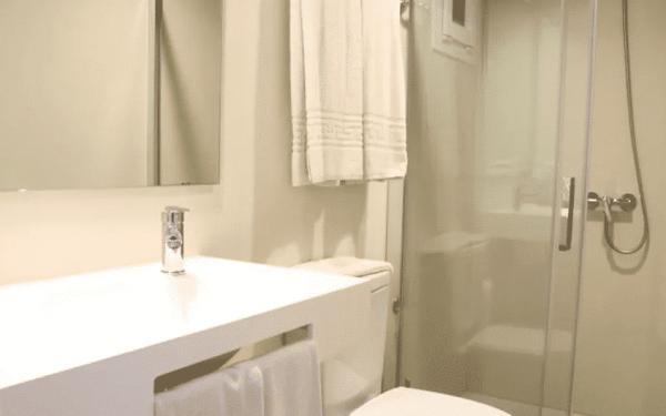 Apartamentos Inn Magaluf Toilet