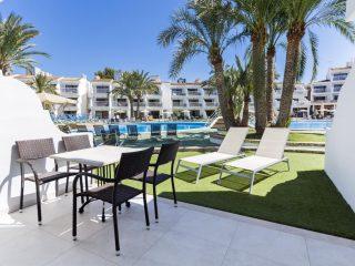 Aparthotel Cas Saboners Palmanova Magaluf garden pool