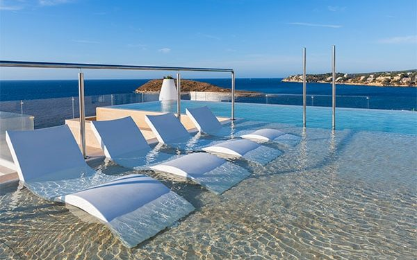 Elba Sunset Mallorca Thalasso Spa infinity pool