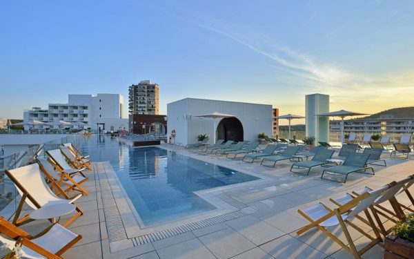 Innside Calvia Beach by Melia Rooftop pool