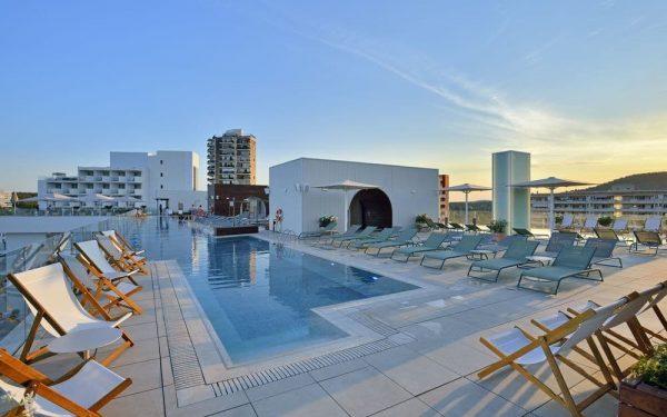 Innside Calvia Beach by Melia Rooftop pool