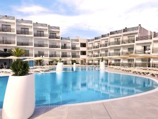 Palmanova Suites by TRH main pool