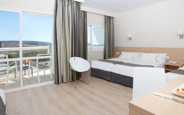 Samos Hotel Magaluf superior room