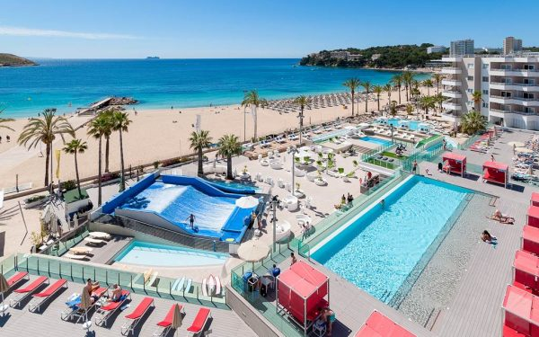 Sol Wave house All suites Pool with surf waves Magaluf
