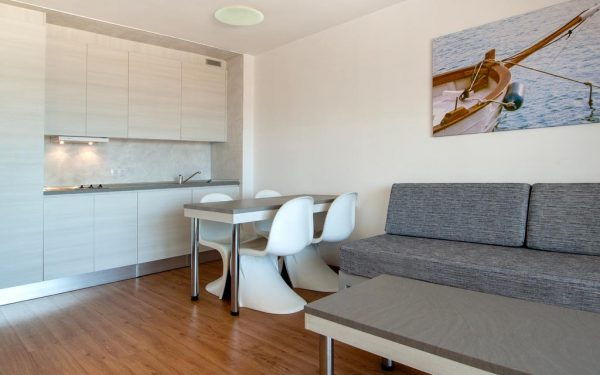 Sol y Vera Apartments Magaluf kitchen