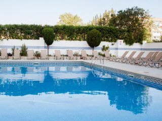 Sol y Vera Apartments Magaluf main pool