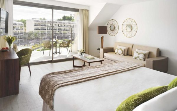Zafiro Palace Palmanova Rooms Price